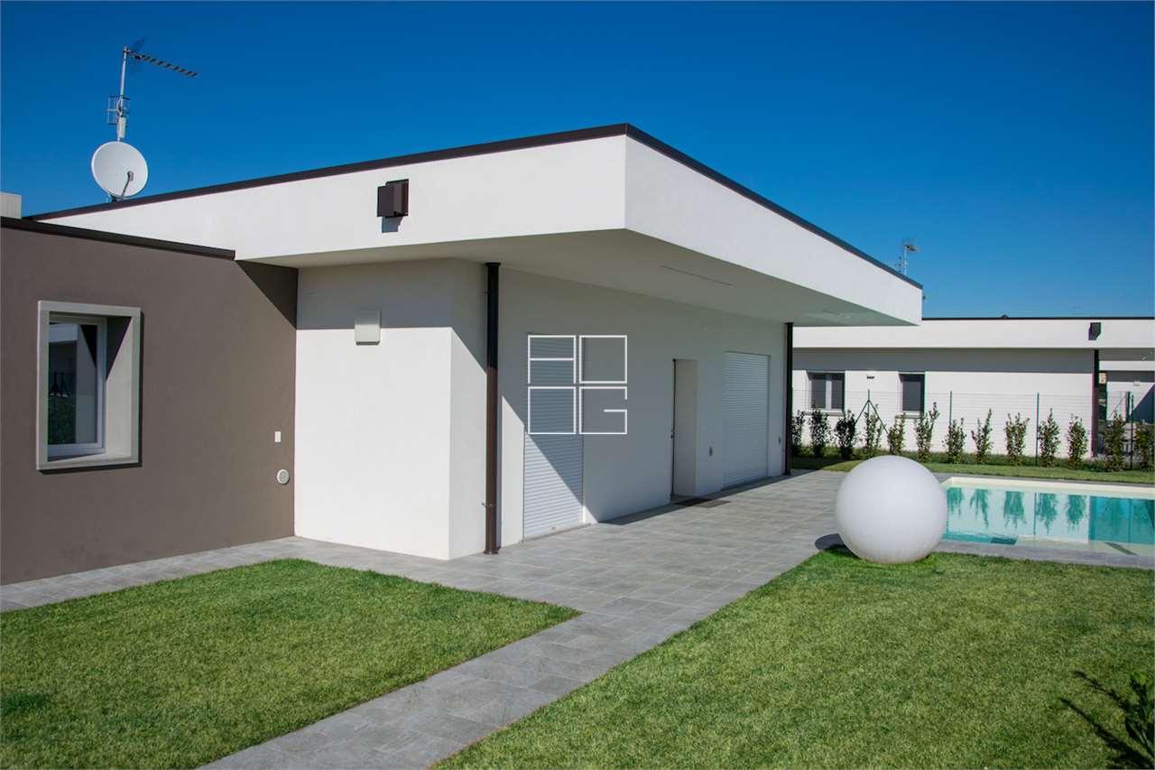 New class A villa in Lonato