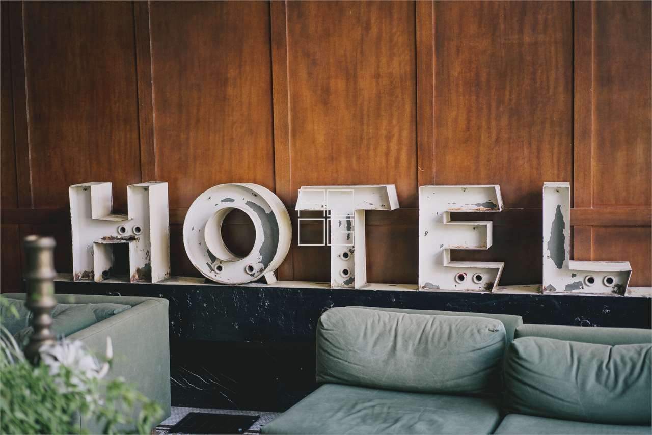 Superb hotel facility facing the lake in Desenzano del Garda